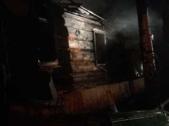 В Шарлыкском районе на пожаре погибли пожилые люди