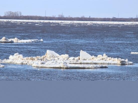 В Архангельске на Северной Двине заканчивается ледоход