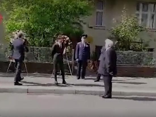 Украинский посол отказался возлагать цветы вместе с послом России