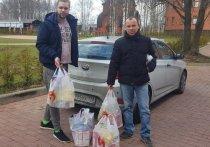 Партия «Яблоко» передала в больницы Петербурга защитные комбинезоны