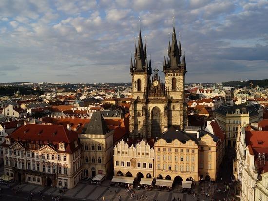 Чехия может открыть границы в июле