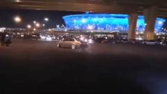 Видео автотусовки в Петербурге и езды по набережным поразило народ