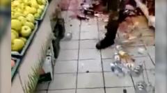Грузчик разгромил магазин узнав, что его уволили: кадры ярости