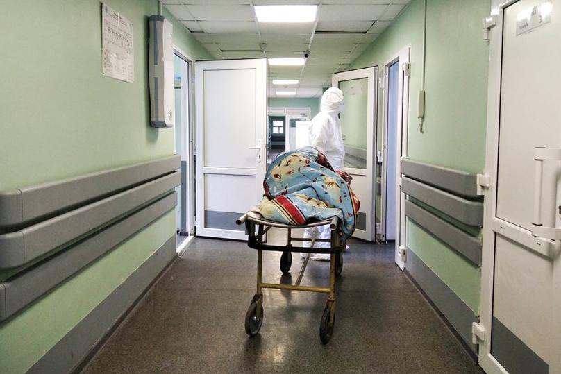 """Битва с коронавирусом: репортаж из """"красной зоны"""" госпиталя в Твери"""