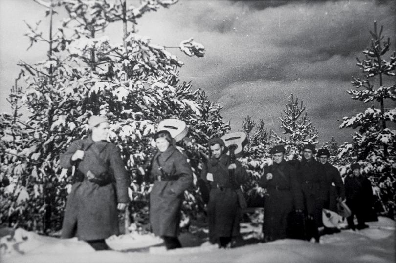 """""""Гитлер ждал ответа от Наполеона"""": странные песни военных лет"""
