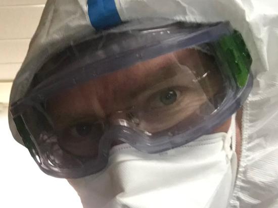 Руководитель смены приемного отделения для больных коронавирусом Антон Родионов раскрыл подноготную COVID-19 и лечения от него