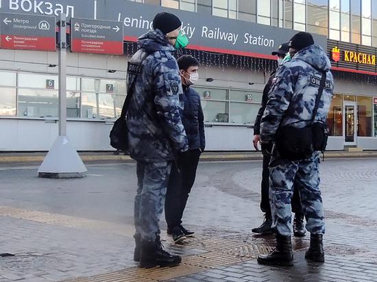 Во время эпидемии полицейские стали задерживать граждан в три раза реже