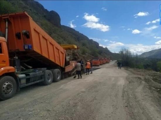 В Дагестане продолжают ремонтировать горные дороги