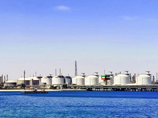 """20aec2b7ae1e6af80fffa78000e12fb0 - """"Нефть будут сливать в море"""": хранилища переполнились"""