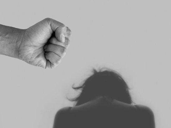 В Петербурге пятеро мигрантов 12 часов насиловали женщину