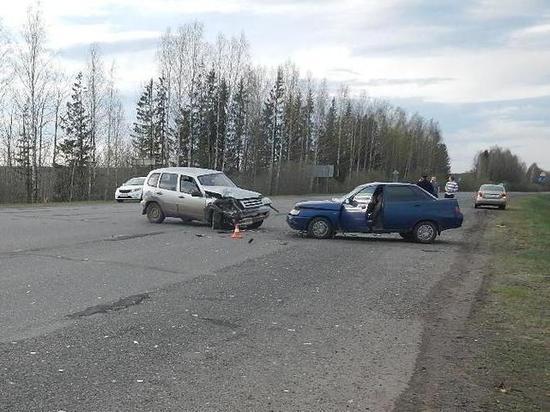 В Костромской области две автоледи устроили ДТП на трассе
