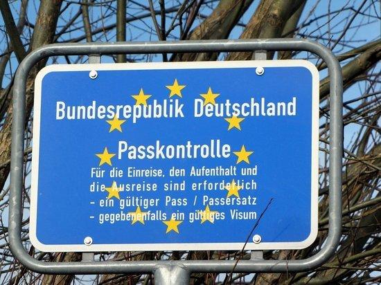 Министр внутренних дел Зеехофер: до 15 мая Германия границы не откроет