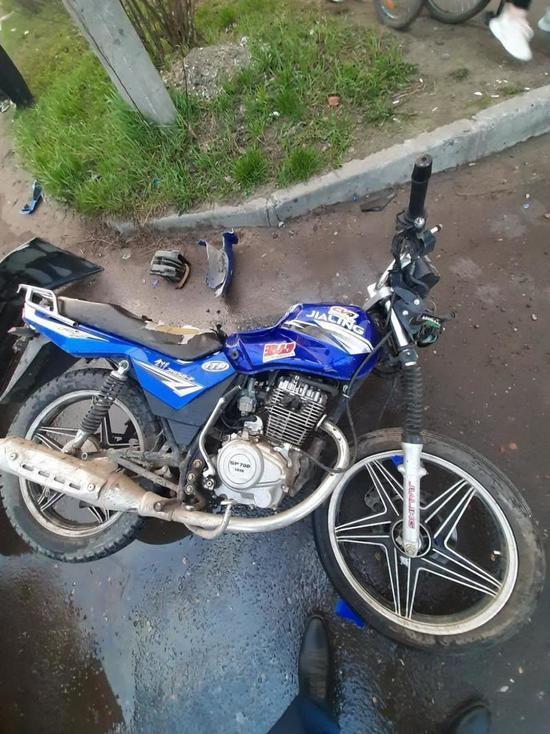 В Коряжме пьяного мотоциклиста госпитализировали после аварии