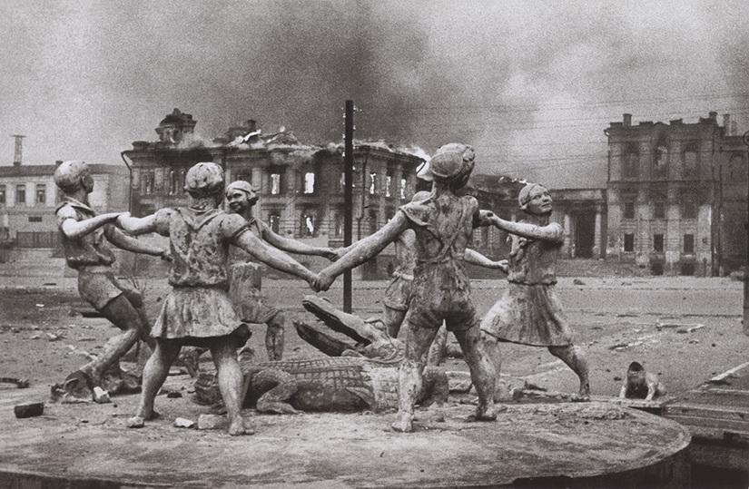 Мультимедиа Арт Музей представил редкие фронтовые кадры