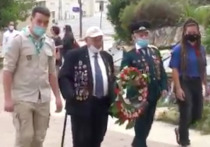 В год 75-летия Победы, ветераны войны и члены молодежных движений, даже в условиях эпидемии коронавируса, решили не нарушать сложившуюся традицию