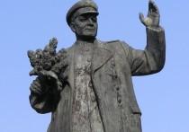В Праге на место памятника Коневу поставили унитаз