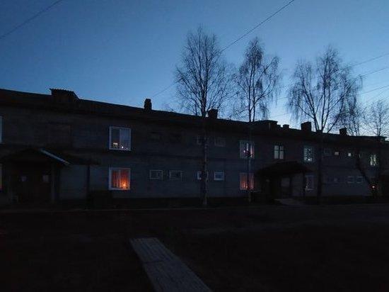 В память о погибших на войне жители Поморья зажгли в окнах фонарики и свечи