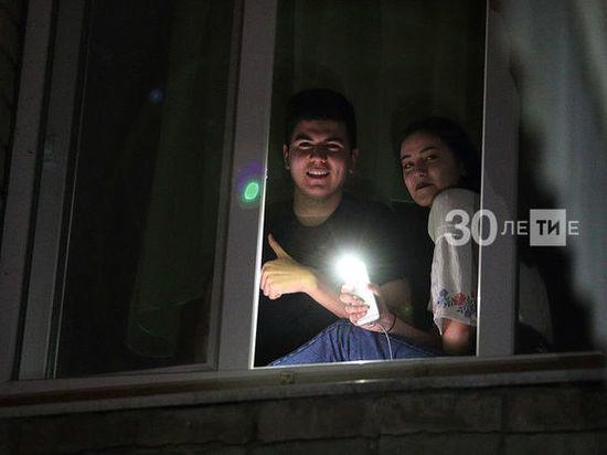 Татарстанцы приняли участие в акции «Свет Победы» и зажгли на окнах свечи
