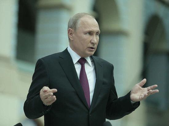 В.Путина  «дослёз» впечатлила картина «Рабовладельцы» Гапоненко
