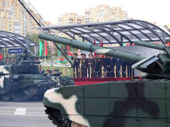 В Госдуме раскритиковали парад Победы в Минске за мелкость