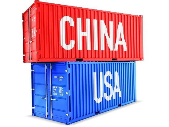 Мировой экономике предрекли новые потрясения из-за США и Китая