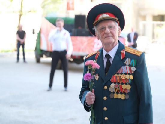 Артисты поздравили ветеранов Пермского края с праздником Победы