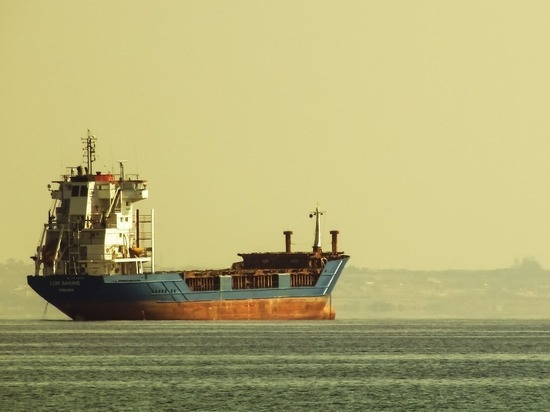 2369fc535fca2edee66072d08815c3a9 - Нефть стали сливать в море: миру грозит экологическая катастрофа