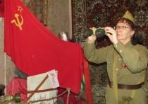 Пожилая астраханка создала домашний музей из экспонатов минувшего века