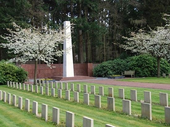 Голландцы  разыскивают родственников ярославского солдата погибшего в 1945