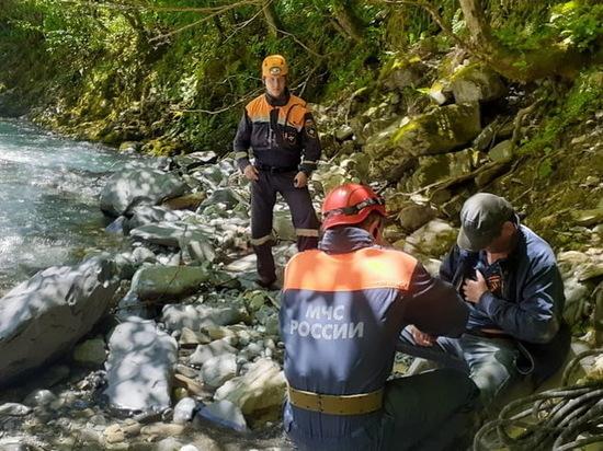 В сочинских горах два человека упали в русло реки Агва