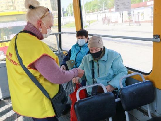Сотрудники барнаульского общественного транспорта призывают пассажиров к сознательности