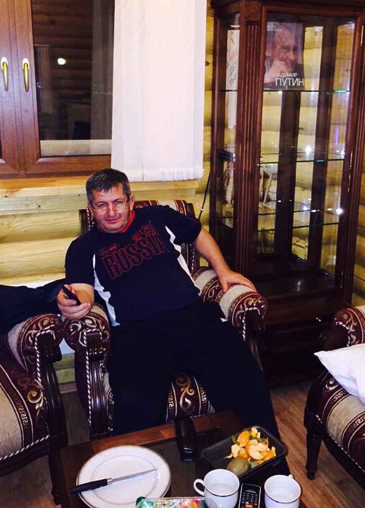 «Молимся за тебя»: кома Нурмагомедова-старшего всех объединила