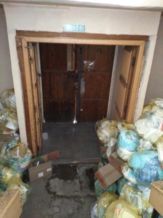 «Запах напомнил мусорный бак»: пациентка пожаловалась на антисанитарию в коронавирусной больнице Златоуста