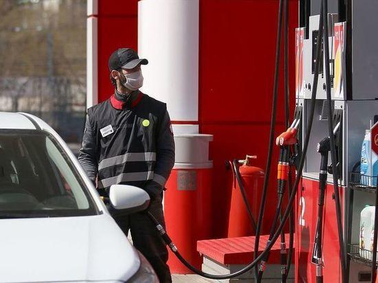 9617071f8e5b1ae25925a5e3ba09a066 - Эксперты объяснили главный российский парадокс: нефть дешевеет, а бензин дорожает