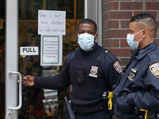 Повседневная жизнь Нью-Йорка глазами «ключевых» сотрудников
