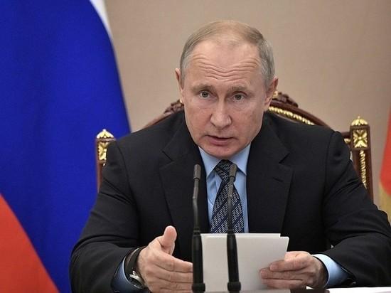 Путин снова разнес чиновников за невыплаченные медикам деньги