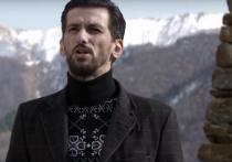 Против оперного певца из Северной Осетии Вадима Чельдиева возбуждено уголовное дело по «экстремистской» статье 280 Уголовного кодекса - следствие считает, что через блоги в Интернете он распространял призывы к прошедшей 20 апреля несанкционированной акции во Владикавказе