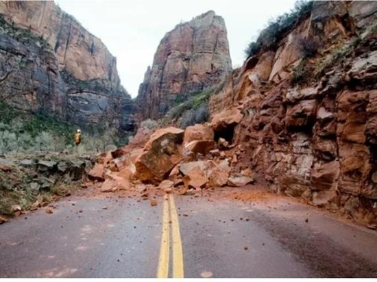 В горах Дагестана произошёл крупный камнепад