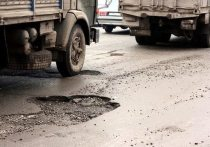 Большегрузы безнаказанно разрушают дороги Хабаровского края