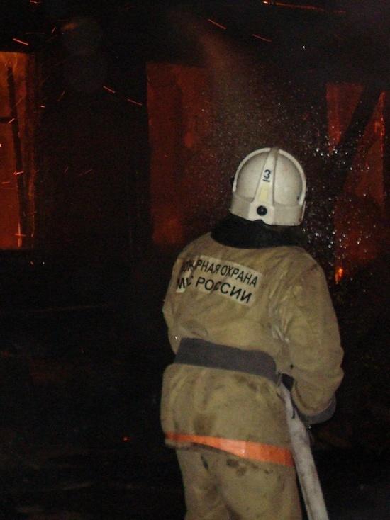 В Ивановской области бесхозное здание сожгли бомжи