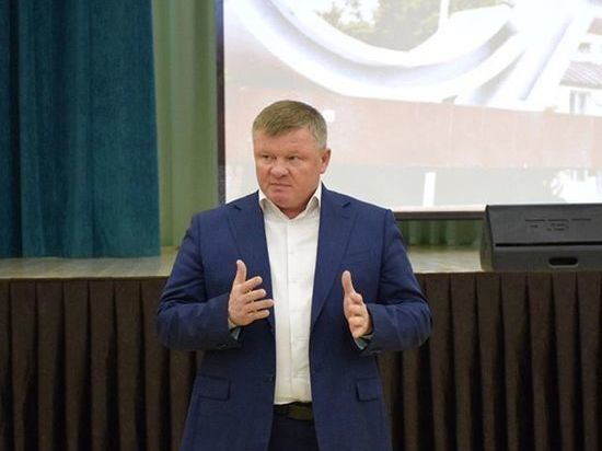Глава Саратова отругал жителей за жалобы Володину