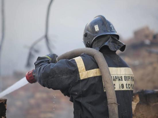 В Волгограде при пожаре в жилом доме пострадал человек