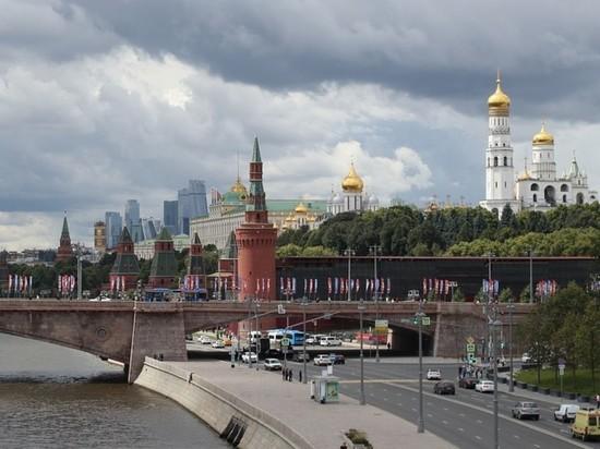 Москвичей призвали быть осторожными из-за усилившегося ветра