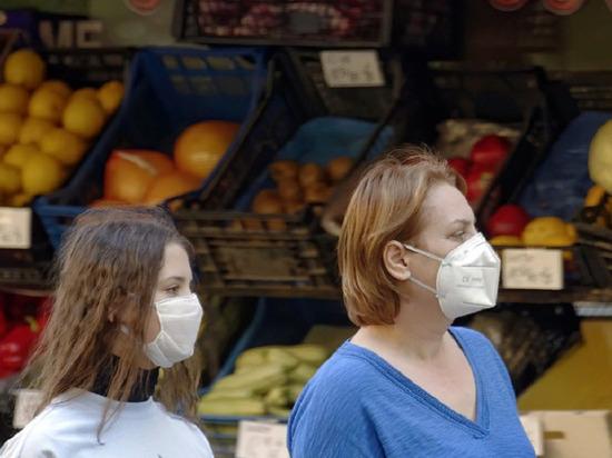 """""""Магнит"""" в Великих Луках проверят после жалобы на продавцов без масок"""