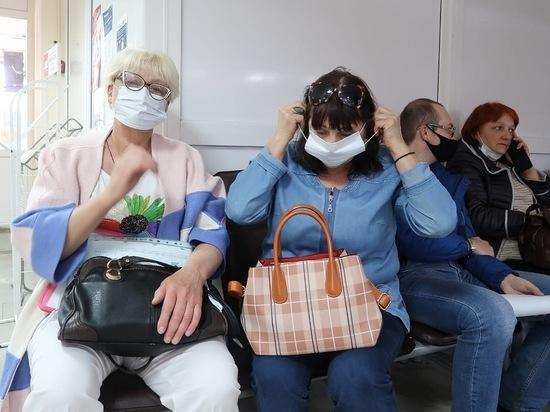 В Железноводске волонтеры продолжают бесплатно раздавать маски
