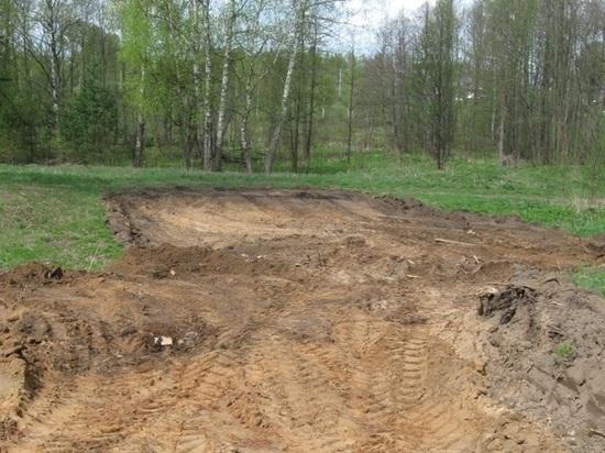 Оригинальный способ борьбы с несанкционированными свалками мусора опробуют в Лежневском районе