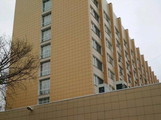 В Москве мужчина выпал из окна коронавирусной больницы