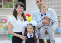 Воскресная школа, картошка и фехтование: как живёт «Молодая семья года», победившая на конкурсе в Тверской области