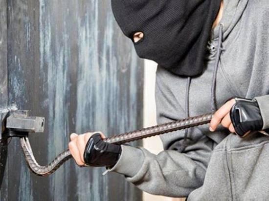 Пользуясь тем, что жители Ивановской области находятся на самоизоляции, трое мужчин совершили ряд гаражных краж