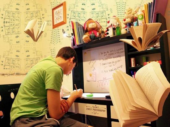 Стало известно, как завершат учебный год в Алтайском крае